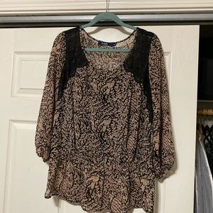 Dress top with lace detail